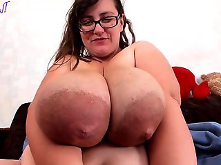 hd videos, brunette, big natural tits